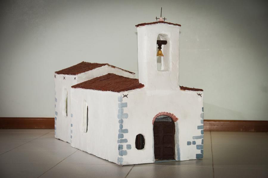 Come costruire una chiesa di carta terminali antivento for Costruire case modello